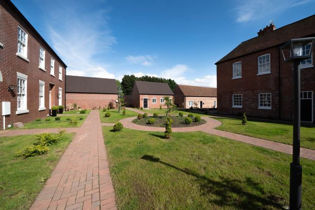 2 bed flat for sale in Worcester Road, Great Witley, Worcester WR6