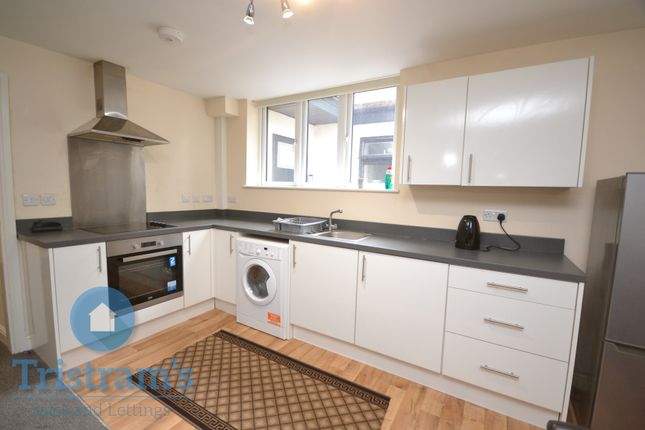 2 bed flat to rent in Flat 3, Kingswood House, Nottingham NG5