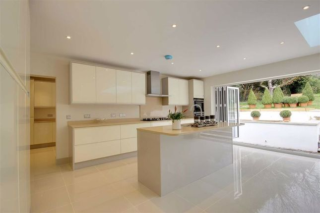Thumbnail Detached house to rent in Park Road, New Barnet, Hertfordshire