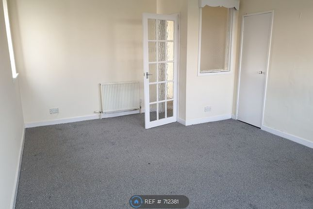 Thumbnail Flat to rent in New Street, Kilmarnock
