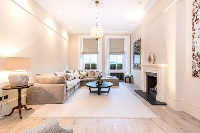 Thumbnail Duplex to rent in Nevern Square, London