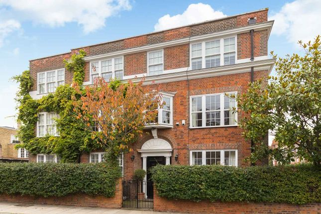 Thumbnail Property to rent in Britten Street, London