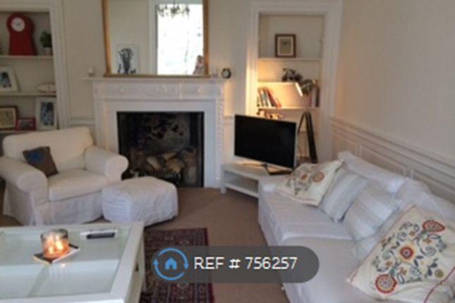 Livingroom of Reids Court, Edinburgh EH8