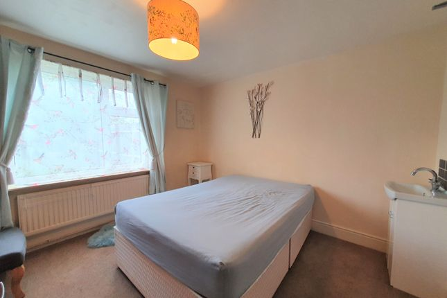 Thumbnail Room to rent in Icknield Walk, Royston