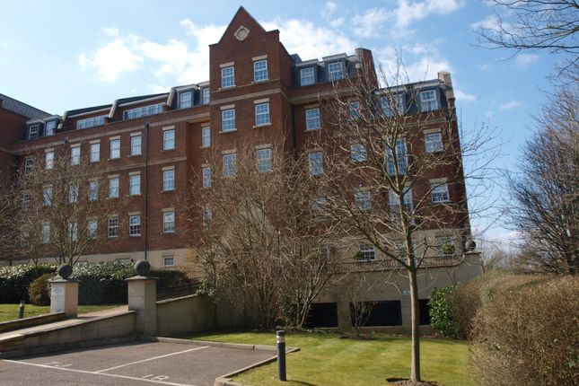 2 bed flat to rent in Kilpling Close, Brentwood CM14