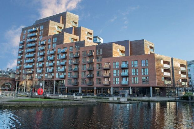 Thumbnail Flat to rent in Watermans Place, Granary Wharf, Leeds City Centre