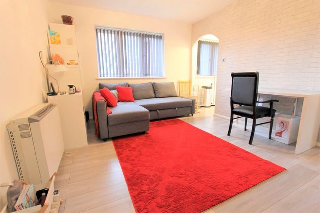 Thumbnail Flat To Rent In Scotland Green Road Enfield Middle