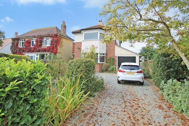 Detached house to rent in The Quadrangle, Findon, Worthing