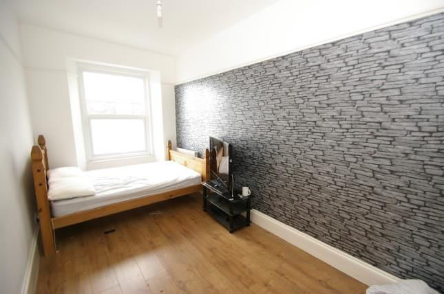 Plymouth Devon England Pl3 4 Bedroom Terraced House For