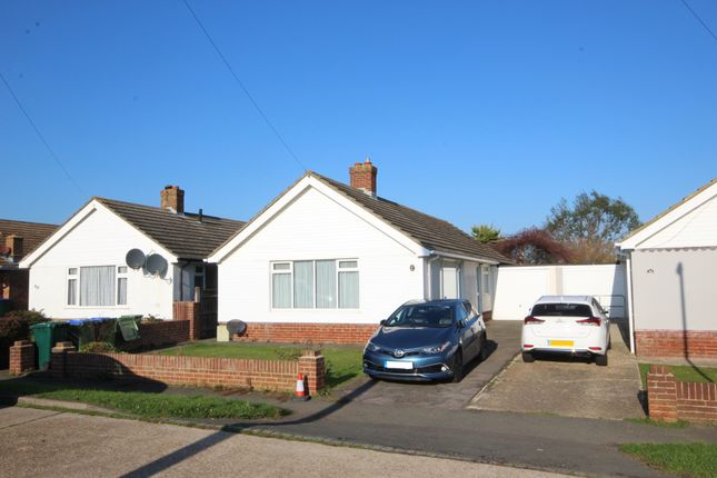 Thumbnail Bungalow to rent in Southview Road, Peacehaven
