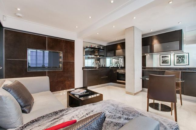 Thumbnail Flat for sale in Chelsea Cloisters, Sloane Avenue