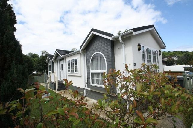 Mobile Park Home For Sale In Rayners Avenue Loudwater
