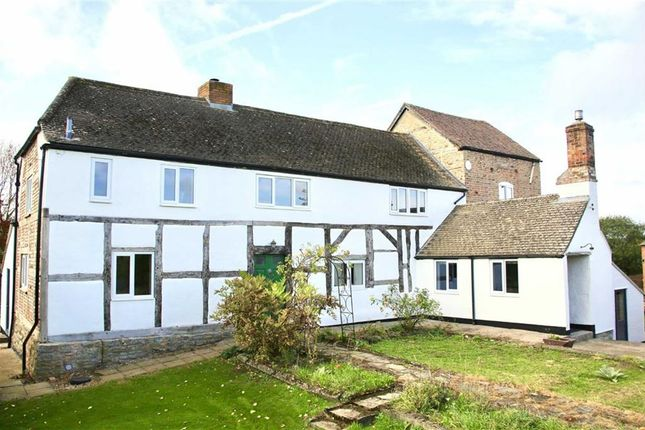 Thumbnail Farmhouse for sale in Blackwells End, Hartpury, Gloucester