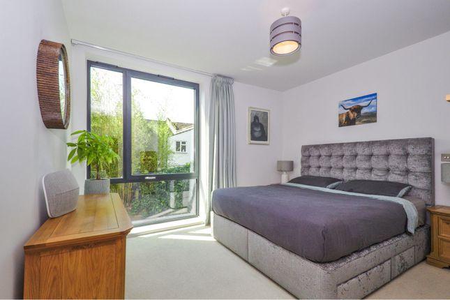 Bedroom of Hawthorne Crescent, Greenwich SE10