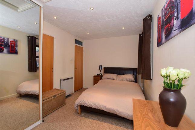 Thumbnail Flat for sale in Kingston Gardens, Croydon, Surrey