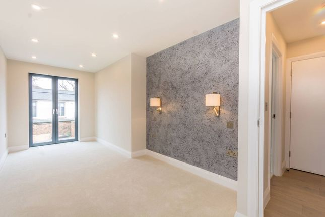Thumbnail Flat for sale in Hornsey Road, Holloway