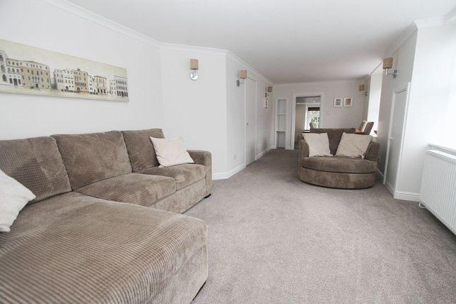 Thumbnail Flat to rent in High Street, Yatton, Bristol