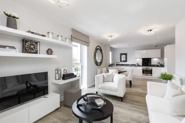 Flat for sale in William Booth Road, London
