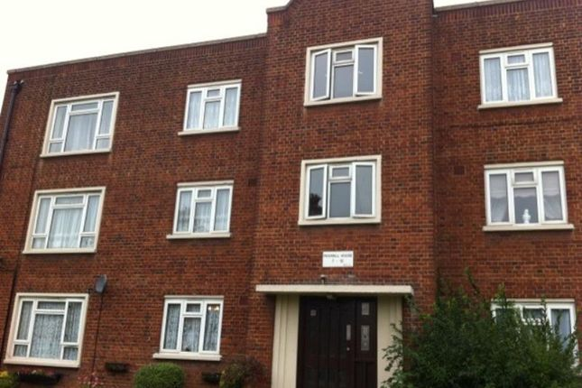 Thumbnail Flat to rent in Roxwell House, Loughton