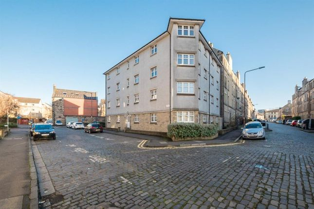 2 bed flat to rent in Duff Street, Dalry