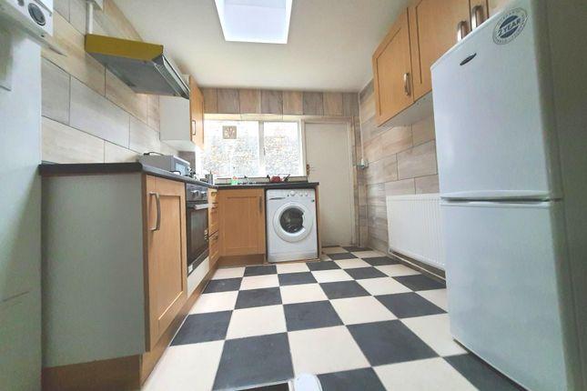 Thumbnail Flat to rent in Arlington Avenue, Islington