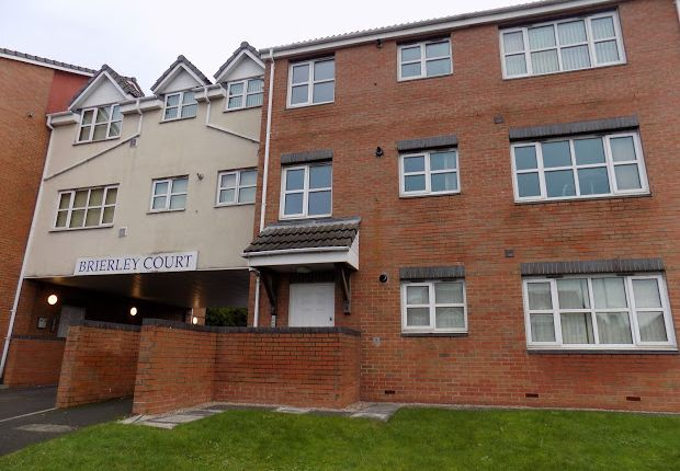 Thumbnail Flat to rent in Brierley Hill, West Midlands
