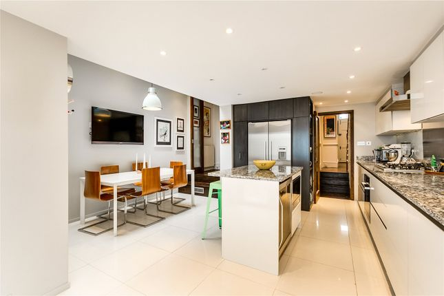 Thumbnail Terraced house for sale in Limburg Road, London
