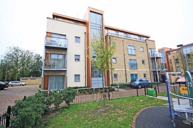 Thumbnail Flat to rent in Southcott Road, Teddington