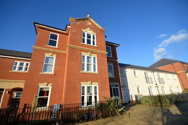 Thumbnail Flat for sale in Little Dominie Court, Great Leighs, Chelmsford
