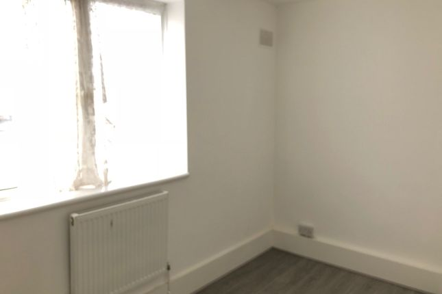 4 bed maisonette to rent in Weymouth Terrace, London
