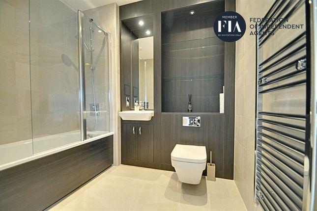 Bathroom of Malthouse Court, High Street, Brentford TW8