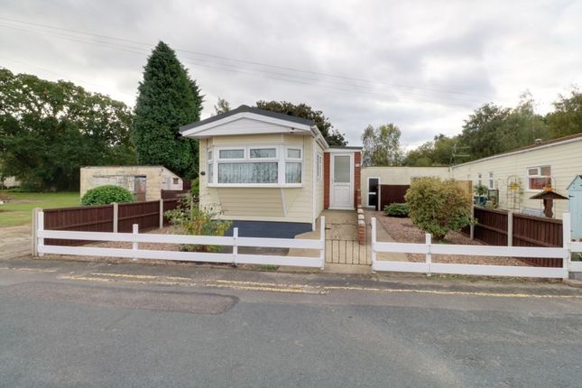 1 bed property for sale in Lagoon Road, Parklands Mobile Homes, Scunthorpe DN17
