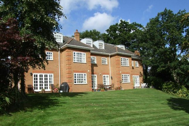Thumbnail Maisonette for sale in Allen House Park, Hook Heath, Woking