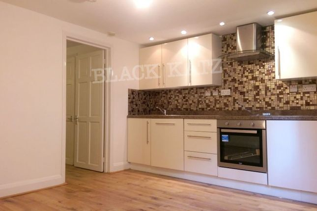 Thumbnail Flat to rent in Parkway, London
