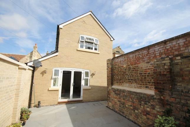 3 bed end terrace house to rent in Tailors Mews, Market Hill, St Ives