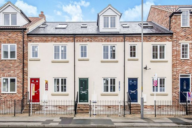 Thumbnail Terraced house to rent in Bridge Wharf, Selby
