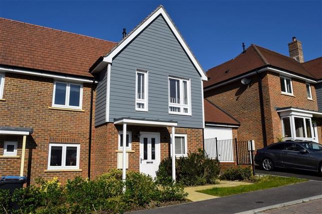 Thumbnail Property to rent in Robertson Drive, Haywards Heath