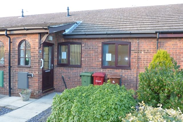 Thumbnail Bungalow to rent in Hall View, Messingham, Scunthorpe