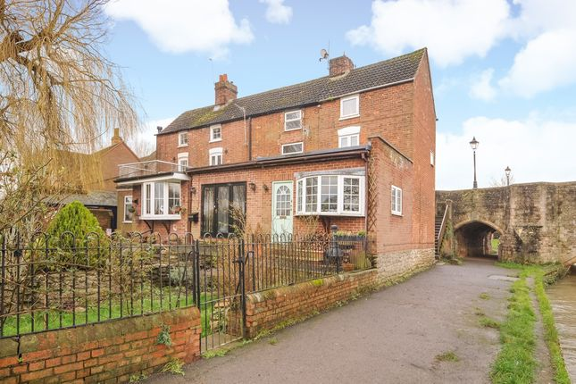 2 bed terraced house for sale in Maud Hale Cottages, Abingdon-On-Thames