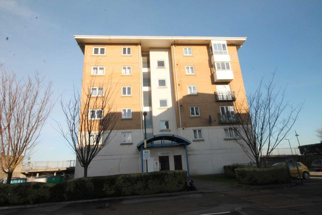 Thumbnail Flat for sale in Macarthur Close, Erith