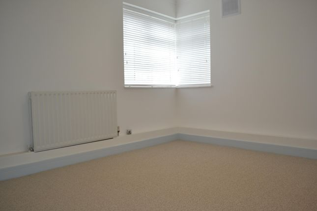 Bedroom of Nailsworth Crescent, Merstham, Redhill RH1