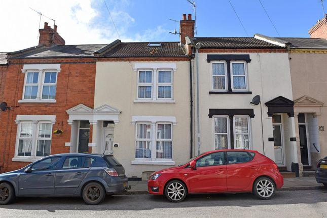 4 bed terraced house to rent in Allen Road, Abington, Northampton NN1