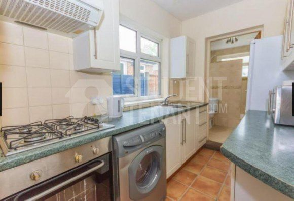 Shared accommodation to rent in Gleave Road, Birmingham, West Midlands