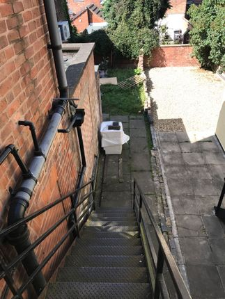 Thumbnail Flat to rent in Welford Road, Leicester