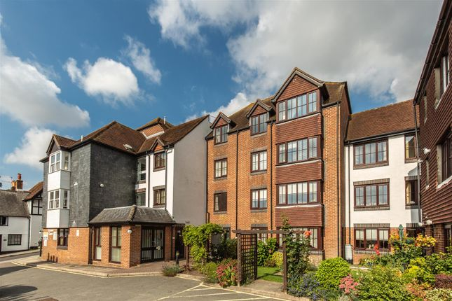 2 bed flat for sale in Station Street, Lewes BN7