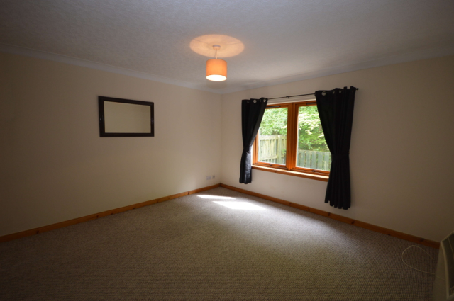 Thumbnail Flat to rent in Diriebught Road, Inverness, Inverness-Shire IV2,