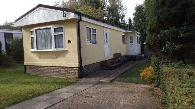 Thumbnail Mobile/park home for sale in Nightingale Lane, Turners Hill, West Sussex