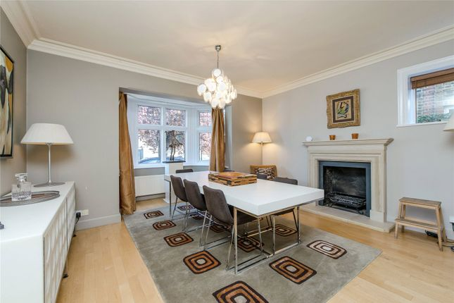 Dining Room of Courthope Road, Wimbledon, London SW19