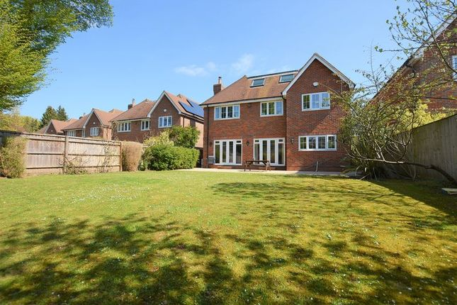 Thumbnail Detached house for sale in Beaconsfield Road, Farnham Royal, Slough