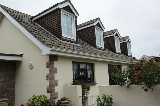 Thumbnail Flat to rent in La Grande Rue, St. Mary, Jersey